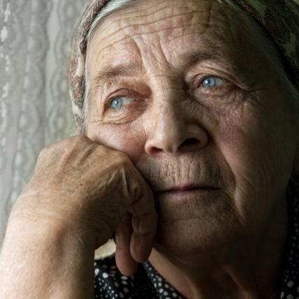 anciana melancolica