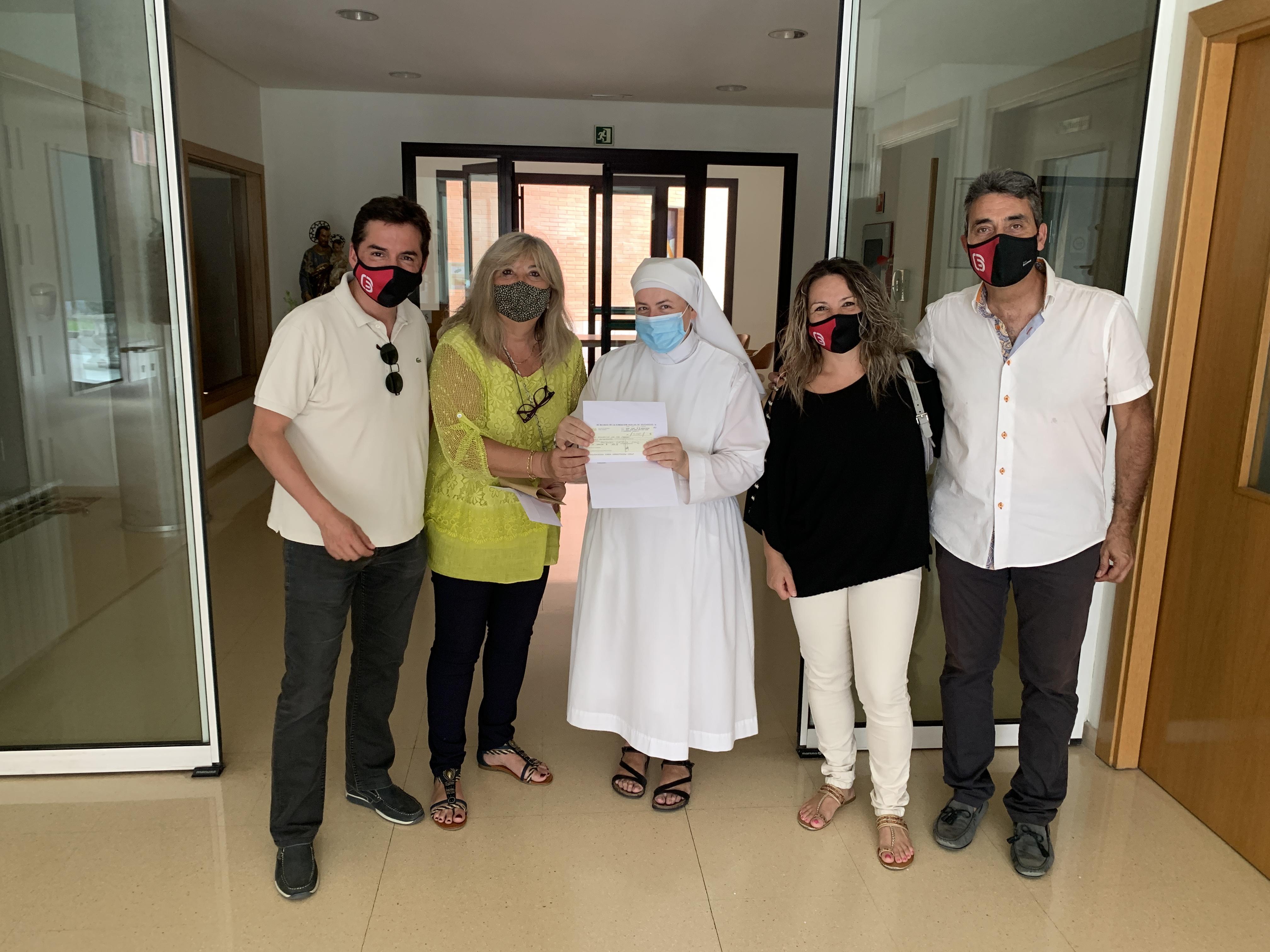 La Fundación de Huellas de Solidaridad entrega a las Hermanitas de los Pobres de Girona 3500€